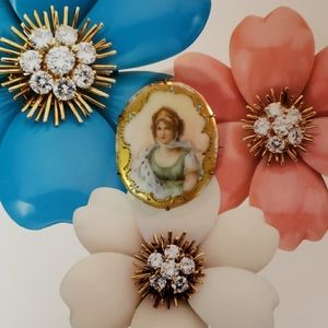 Hand Painted Vintage Victorian Porcelain Brooch